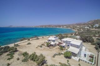 cycladic-apartments-orkos-blue-coast-in-naxos